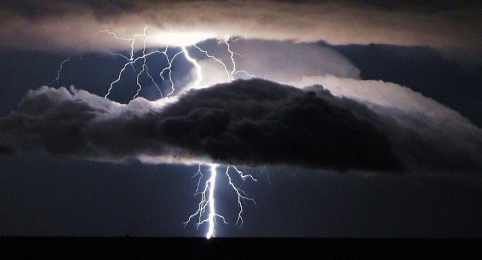 000West Texas Lightning