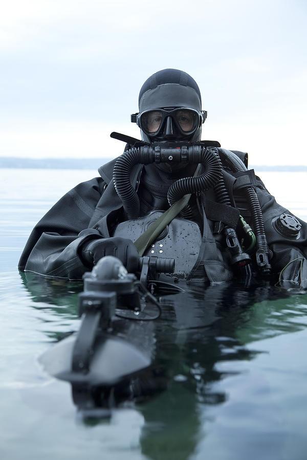 Combat Diver