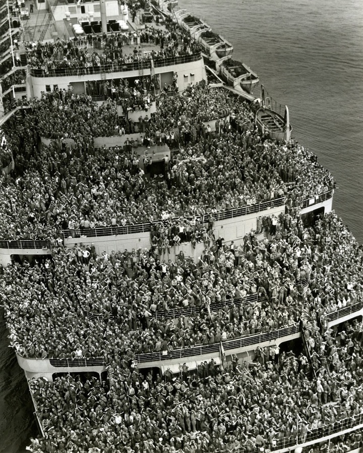 Crowded ship bringing American troops back to New York harbor after V-Day, 1945