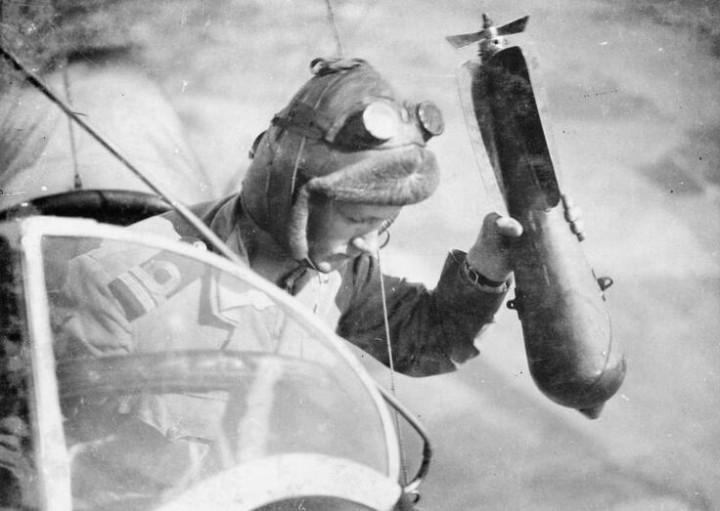 BRITISH AIRSHIP PILOTS FIRST WORLD WAR.
